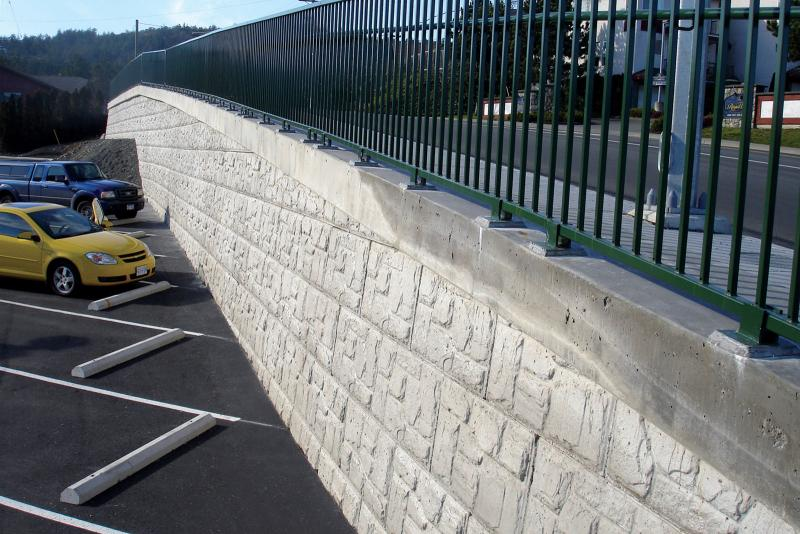 MagnumStone retaining wall