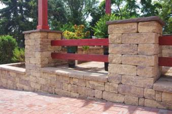 StoneLedge Pillar and free standing wall