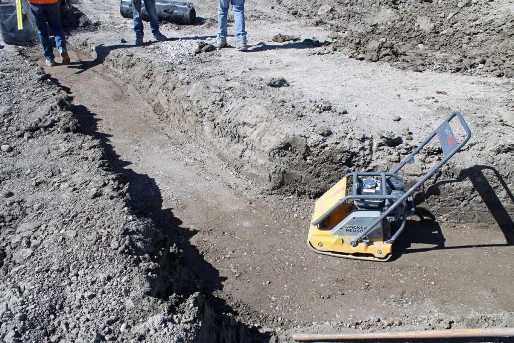 block retaining wall base compaction