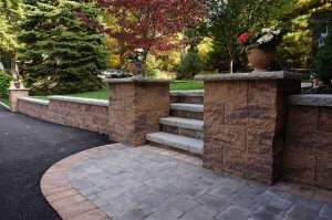 Cornerstone-100-retaining-wall-block-for-stairs-and-pillars
