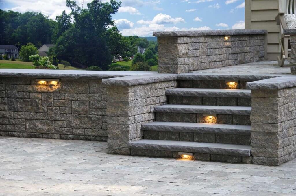 Stoneledge-free-standing-walls