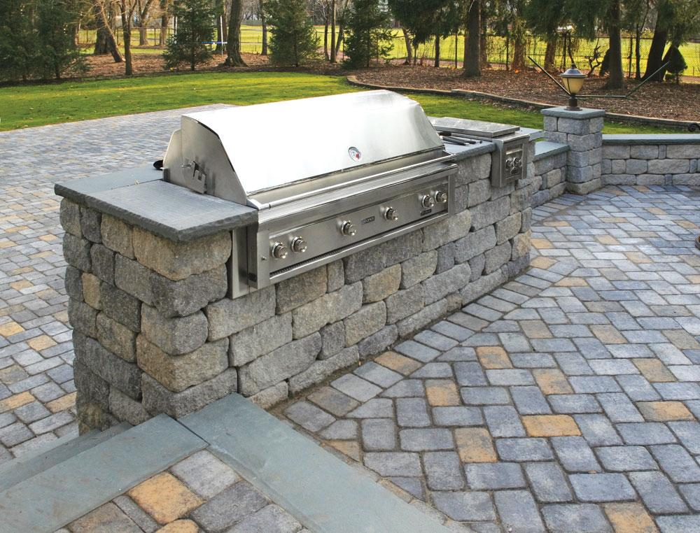 Bbq stands design ideas for outdoor kitchens for Outdoor kitchen wall ideas