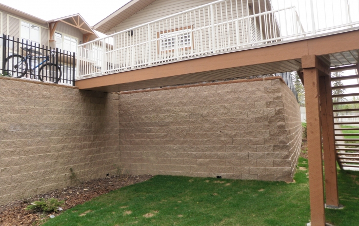 CornerStone retaining wall with corner and stairs