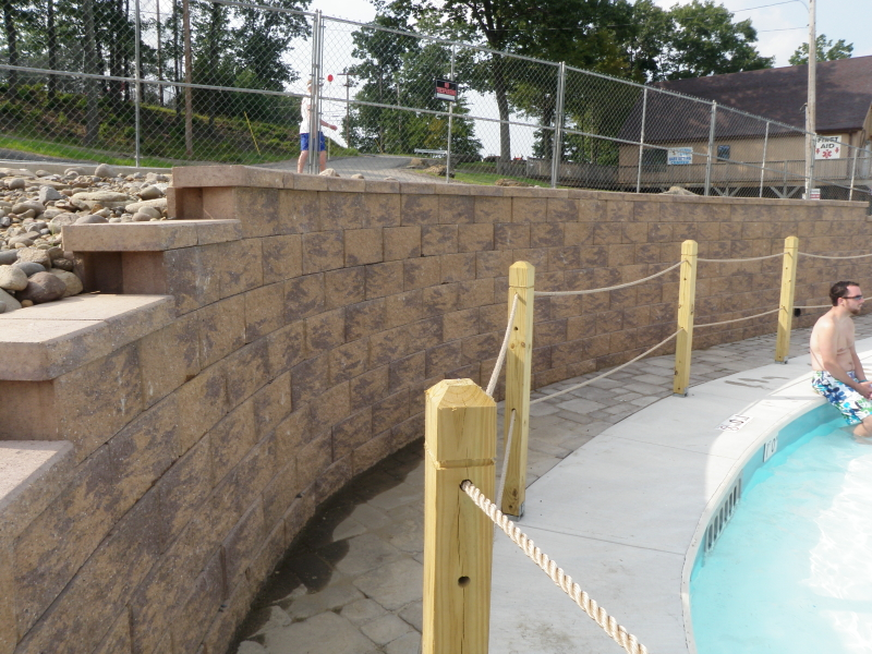 CornerStone 100 Retaining wall