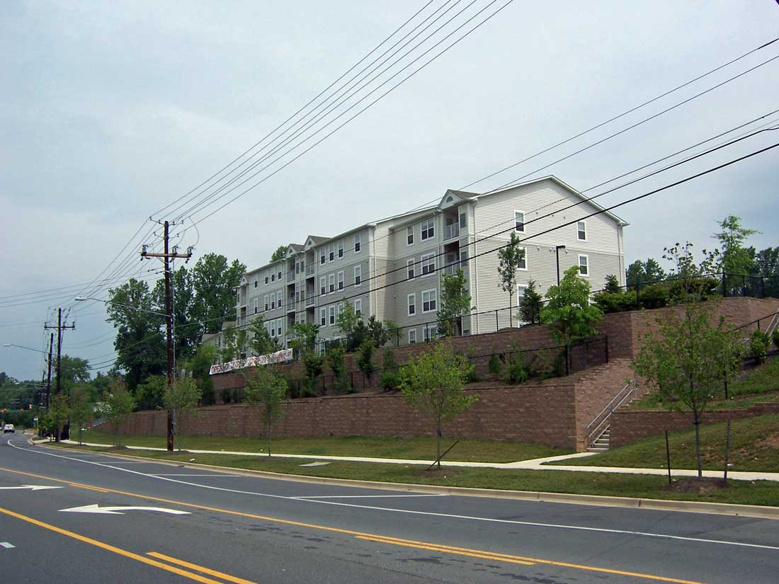 Retaining-Wall-Airpark-Apartment-Cornerstone-block-2
