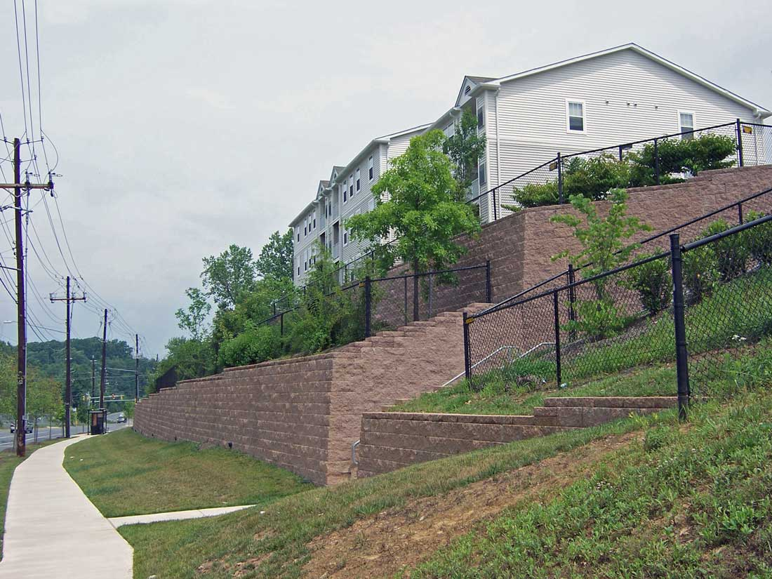 Retaining-Wall-Airpark-Apartment-Cornerstone-blocks