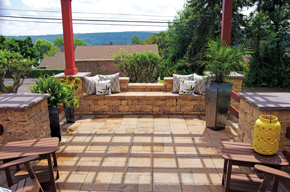 Backyard Patios with StoneLedge
