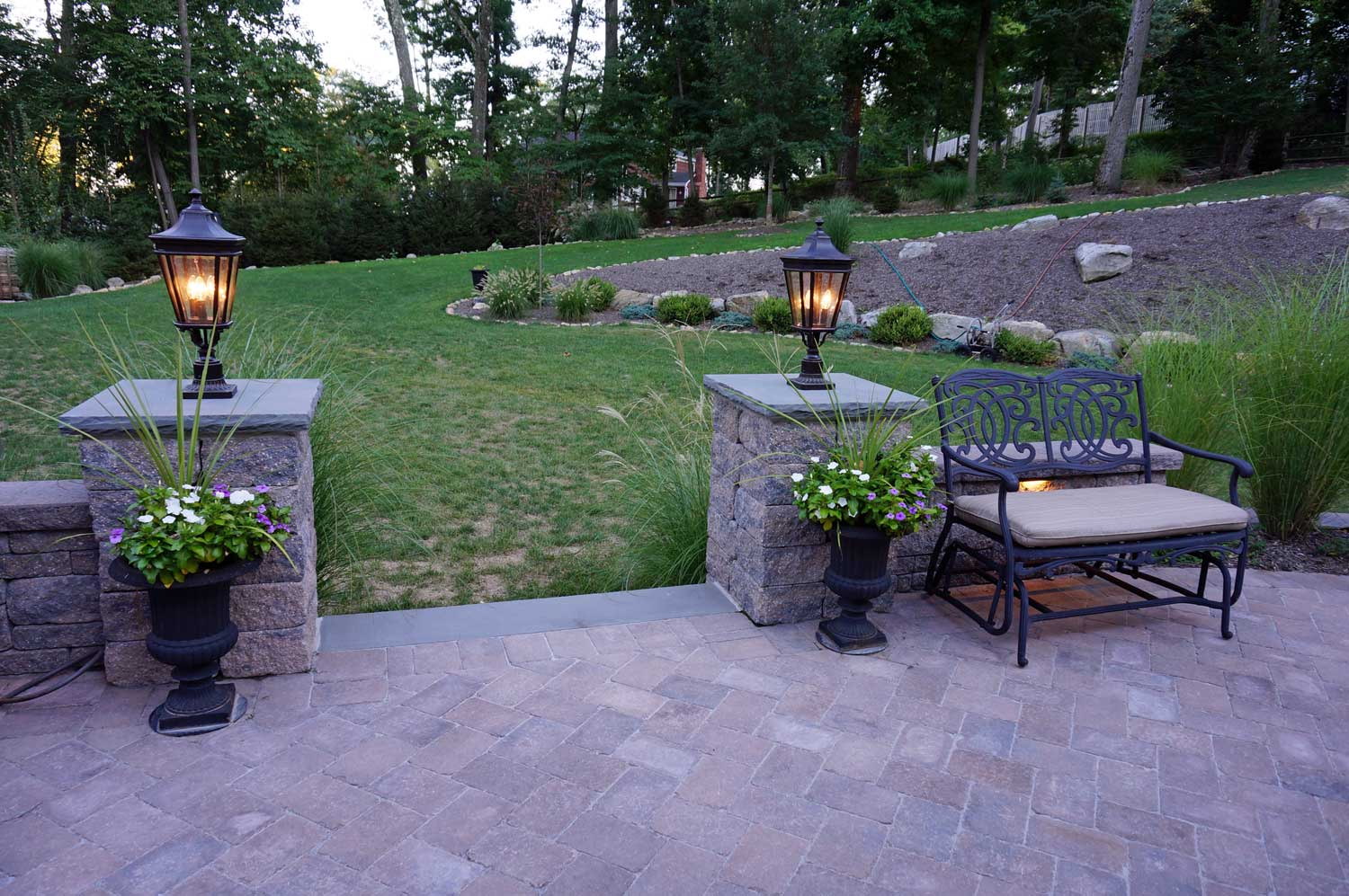 Backyard Patios with Stoneledge Pillars