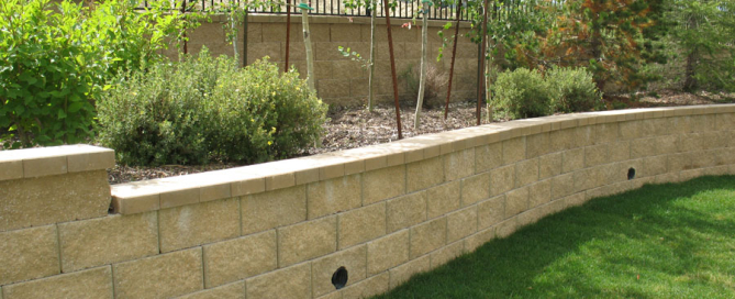 5 TIPS FOR AN EVERLASTING BLOCK RETAINING WALL