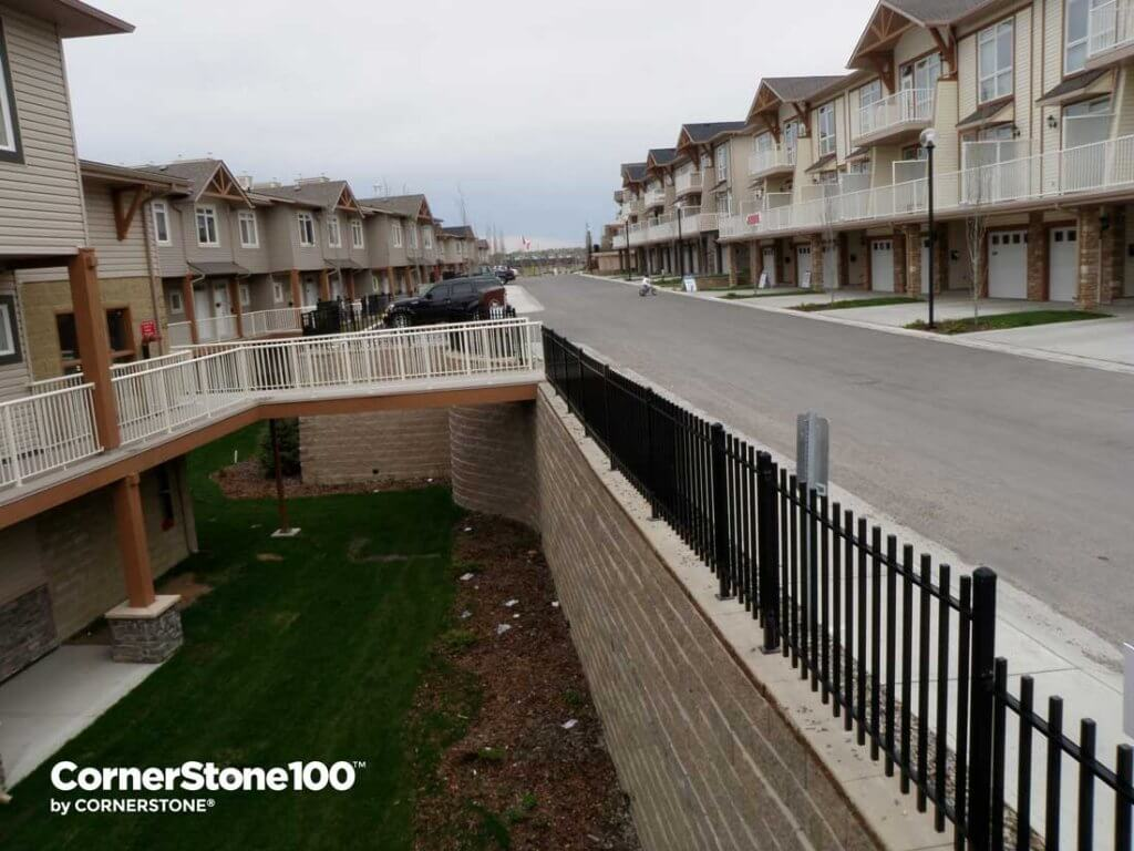 Retaining-Wall-cornerstone-block-road