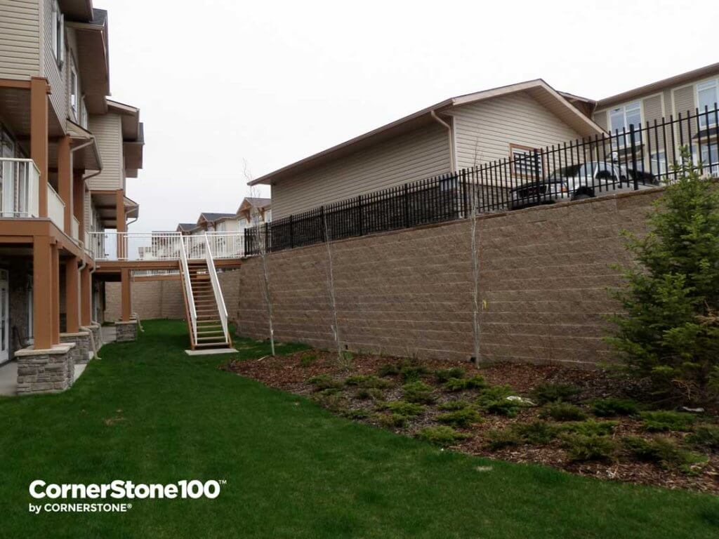 retaining-wall-bridges-cornerstone block