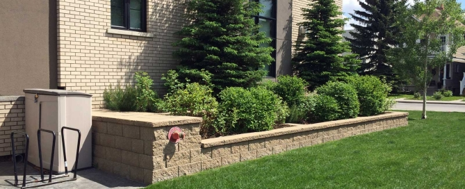 Modern Looking Retaining Wall Blocks for Planters