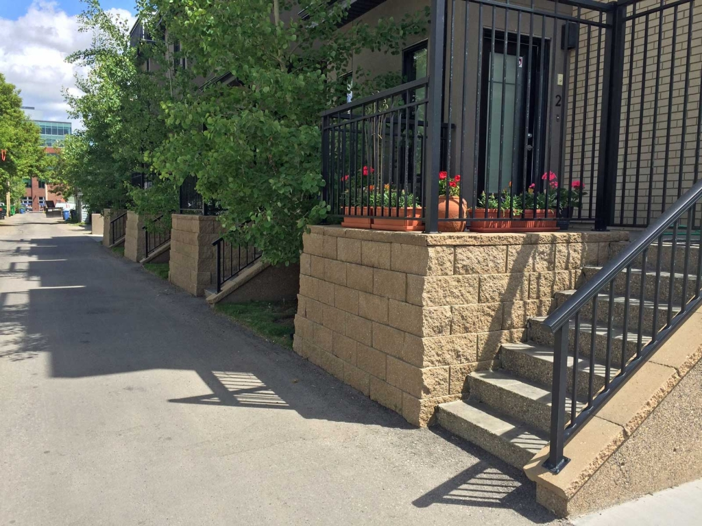Modern Looking Retaining Wall Blocks stairs
