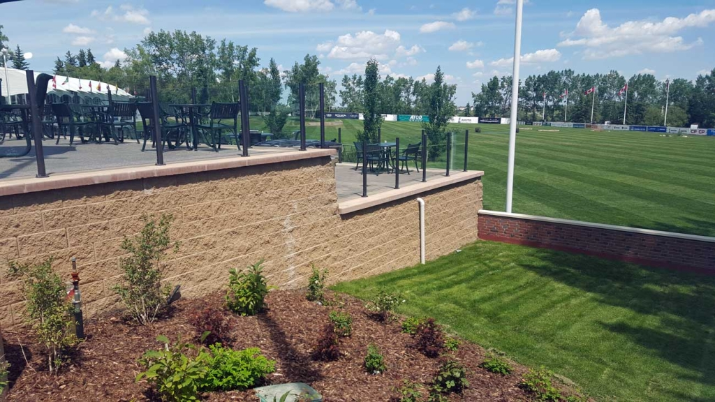 Cornerstone-block-retaining-wall-spruce-meadows