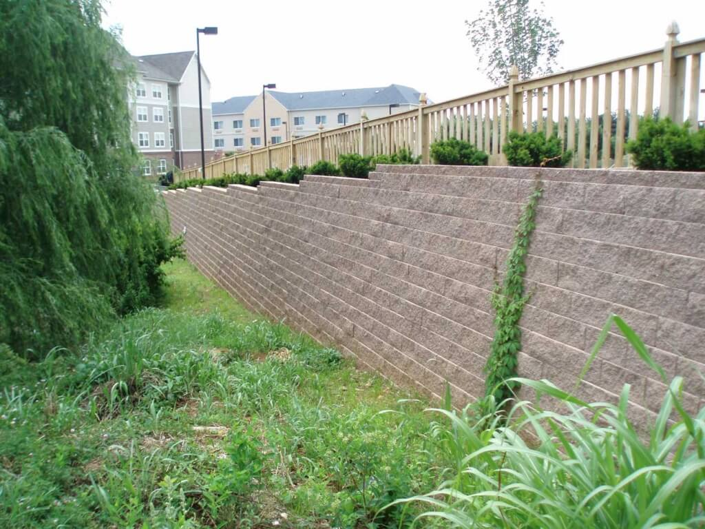 CornerStone block retaining wall Hilton Garden Inn green