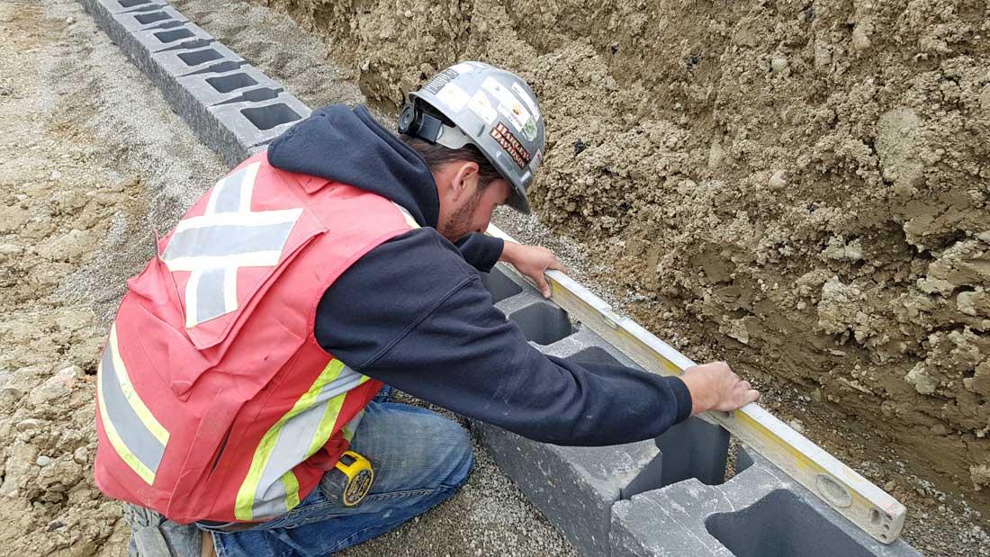 CornerStone-retaining-wall-installations-level