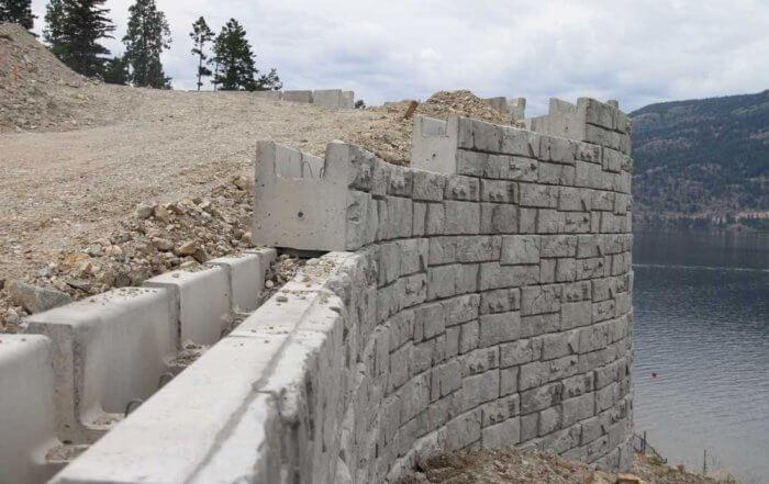 magnumstone-big-block-hollow-core-retaining-wall