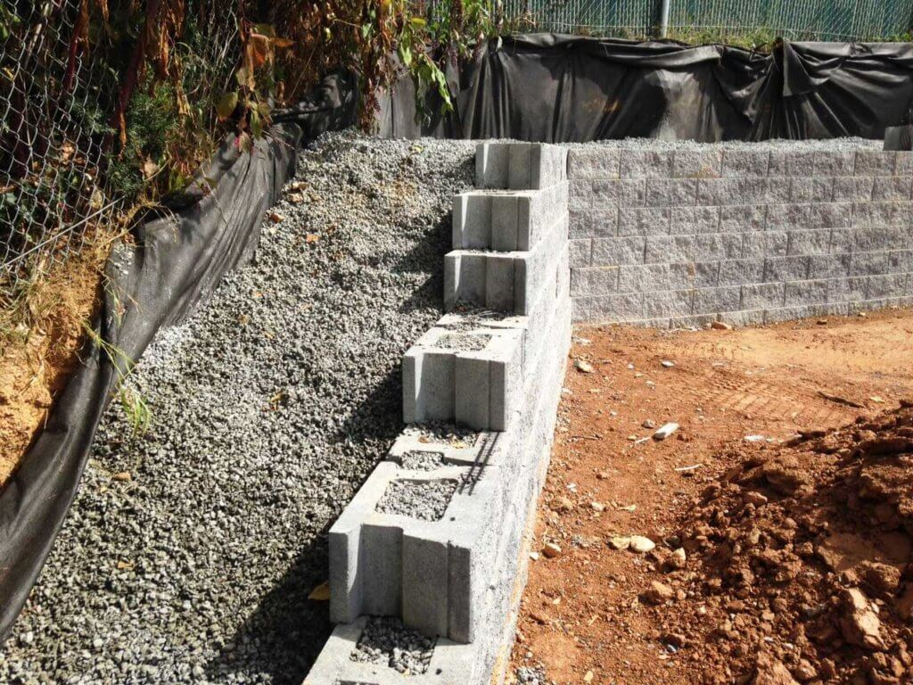 permeable-concrete-retaining-wall