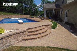 Landscape-Stairs-Using-MiraStone-retaining-wall-Block