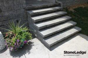 Landscape-Stairs-Using-StoneLedge-retaining-wall-Block