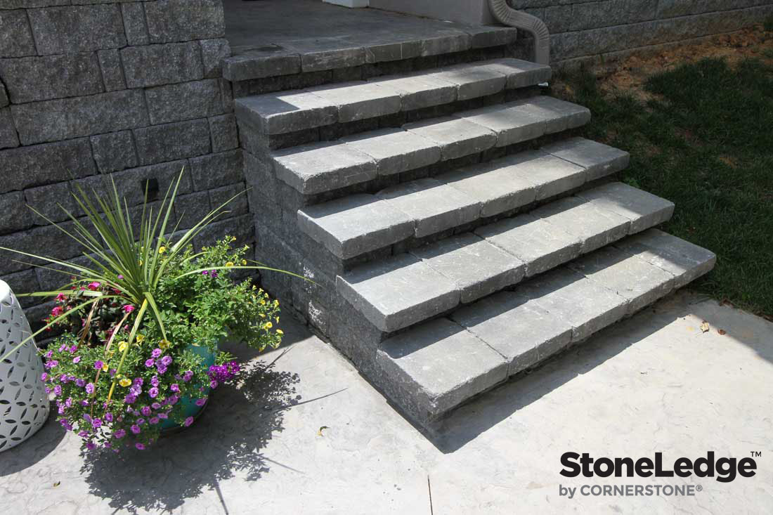 Landscape Stairs Using StoneLedge Block Landscape Stairs  Using StoneLedge Retaining Wall Block