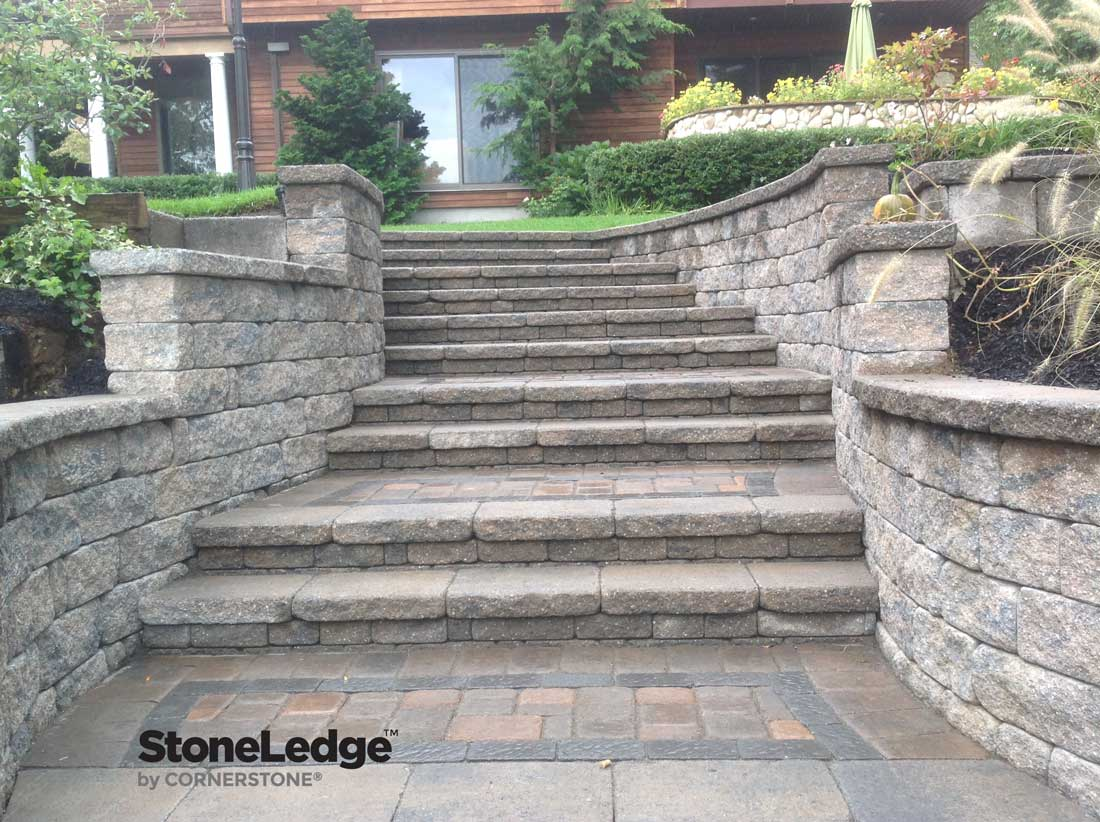 Merveilleux Landscape Stairs Using StoneLedge Wall Blocks