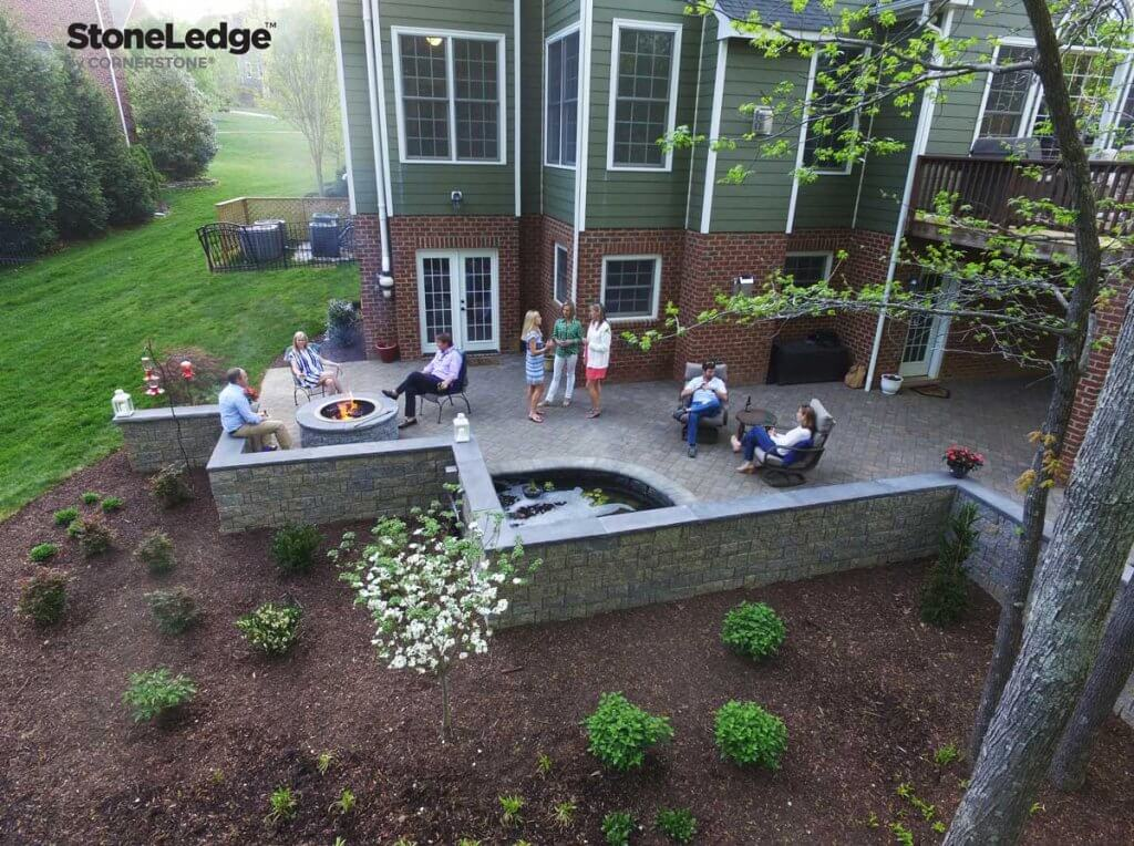 Backyard-designs-with-hardscaping