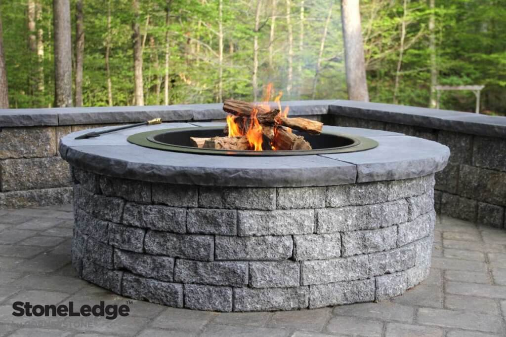 StoneLedge-Fire-Pit-for-Hardscaping