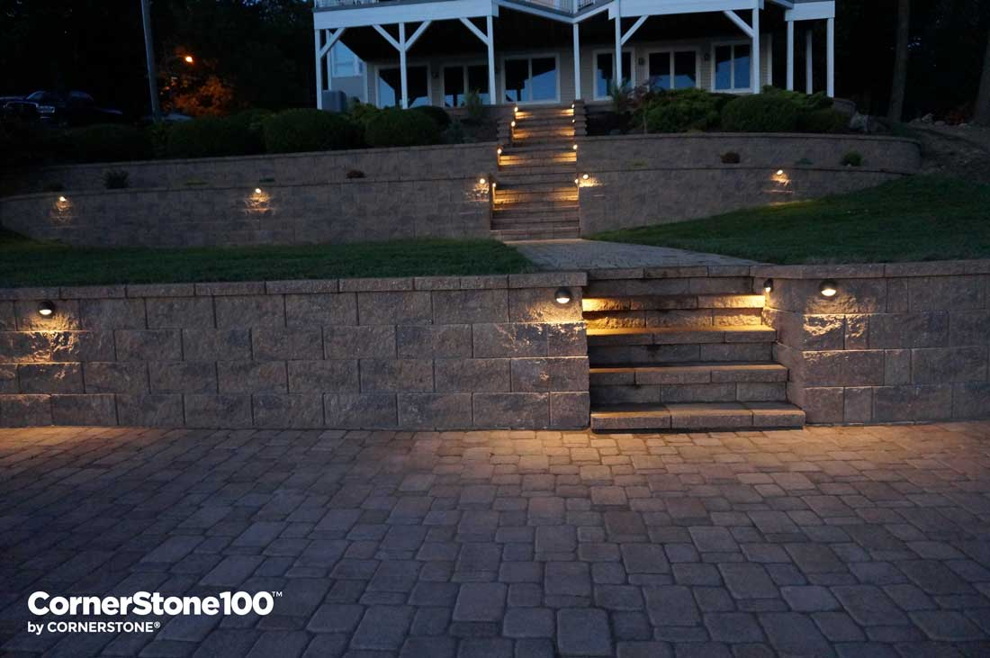 Retaining Wall Hardscape Lighting