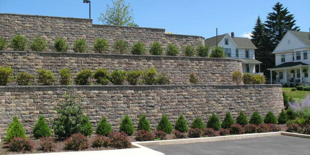 Block-retaining-wall-terraces-using-cornerstone