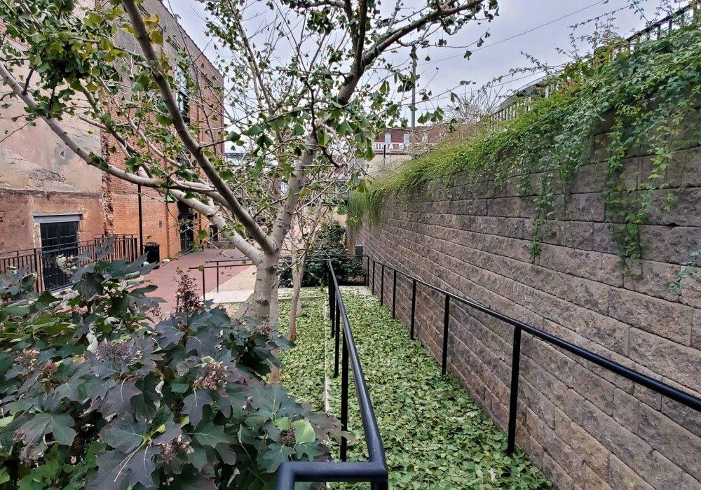 Lynchburgh-Virginia-Retaining-Wall-StoneLedge-for-street-access