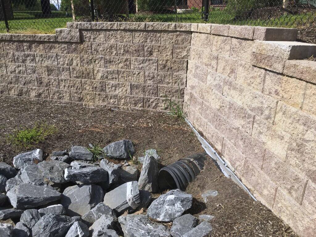 CornerStone Retaining Wall - Drainage System Corner