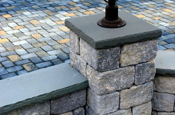 Backyard Retaining Wall Column for Patio