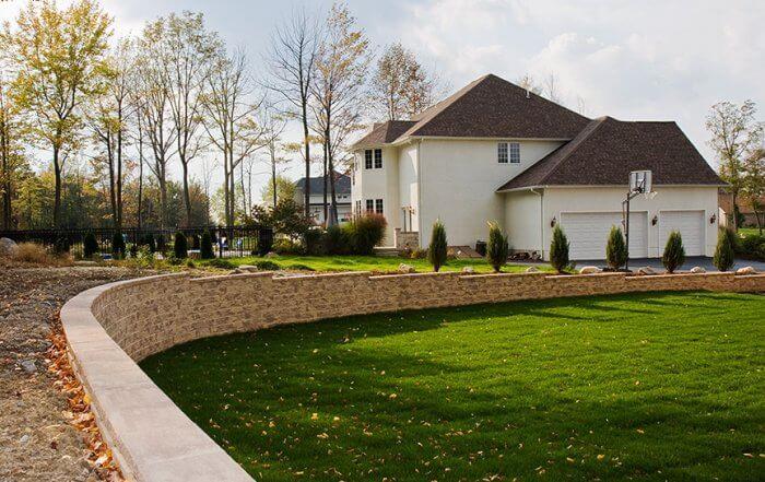 Curved Backyard Retaining Wall MiraStone