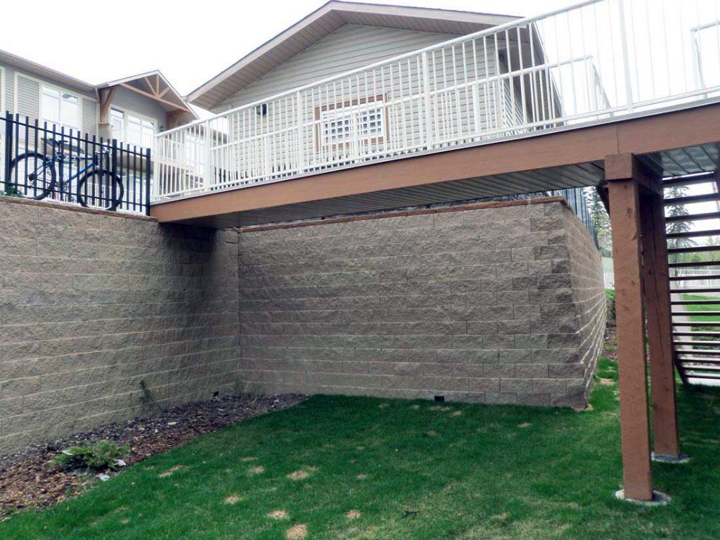 CornerStone Tall Retaining Wall in Cochrane, Alberta