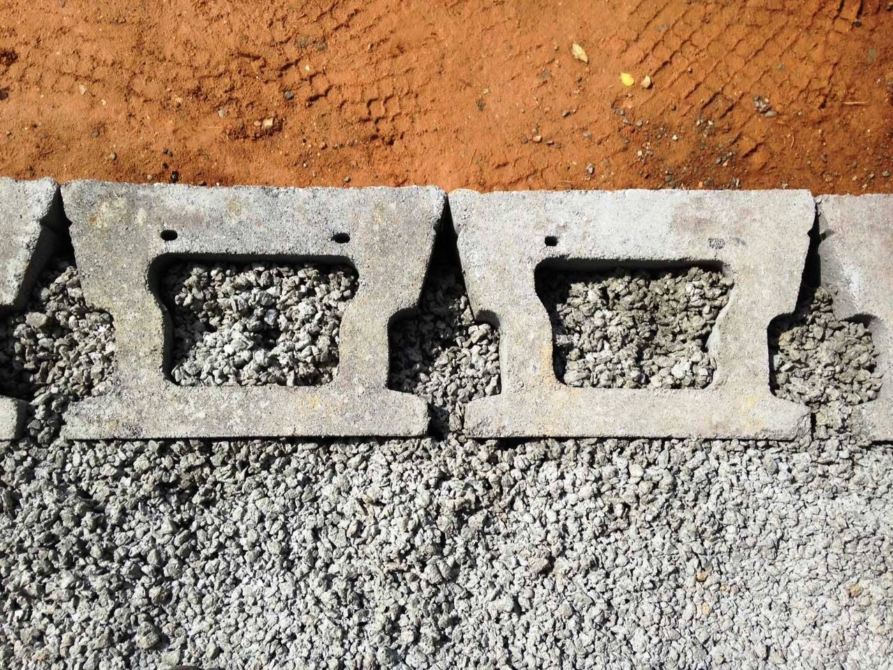 permeable-concrete-retaining-wall-no-fines
