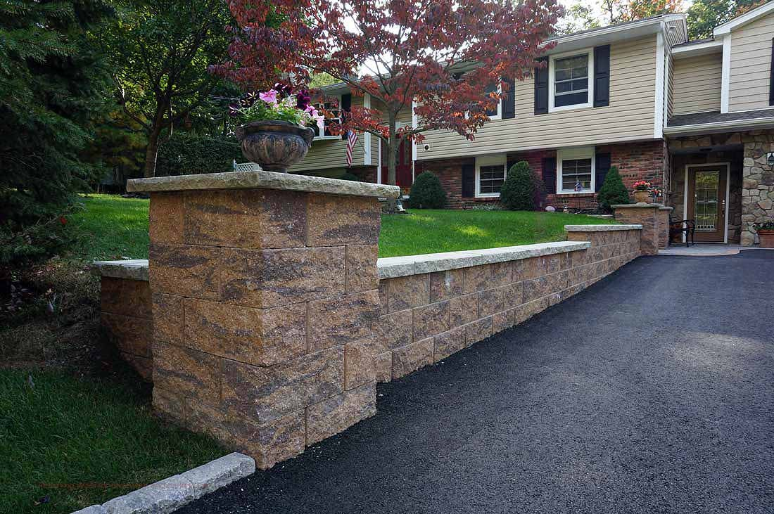 Retaining wall for driveway with pillar