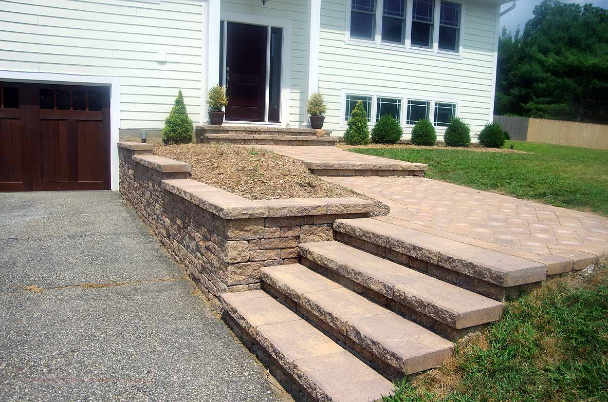 Retaining wall for driveway with stairs