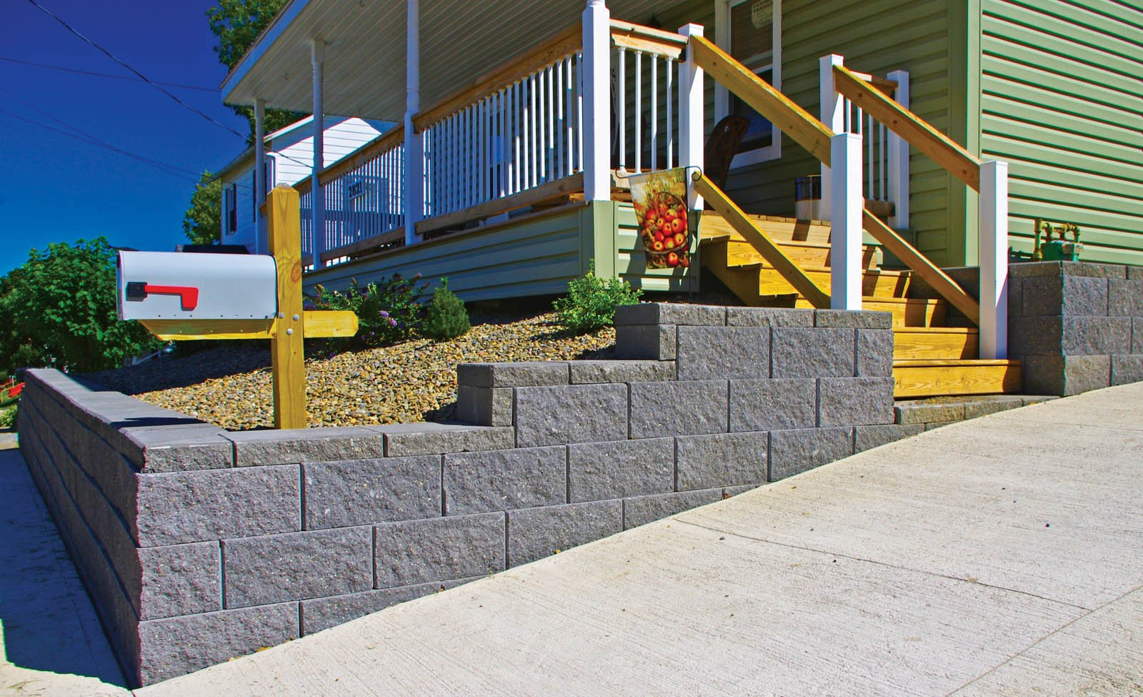 Simple Retaining wall for driveway