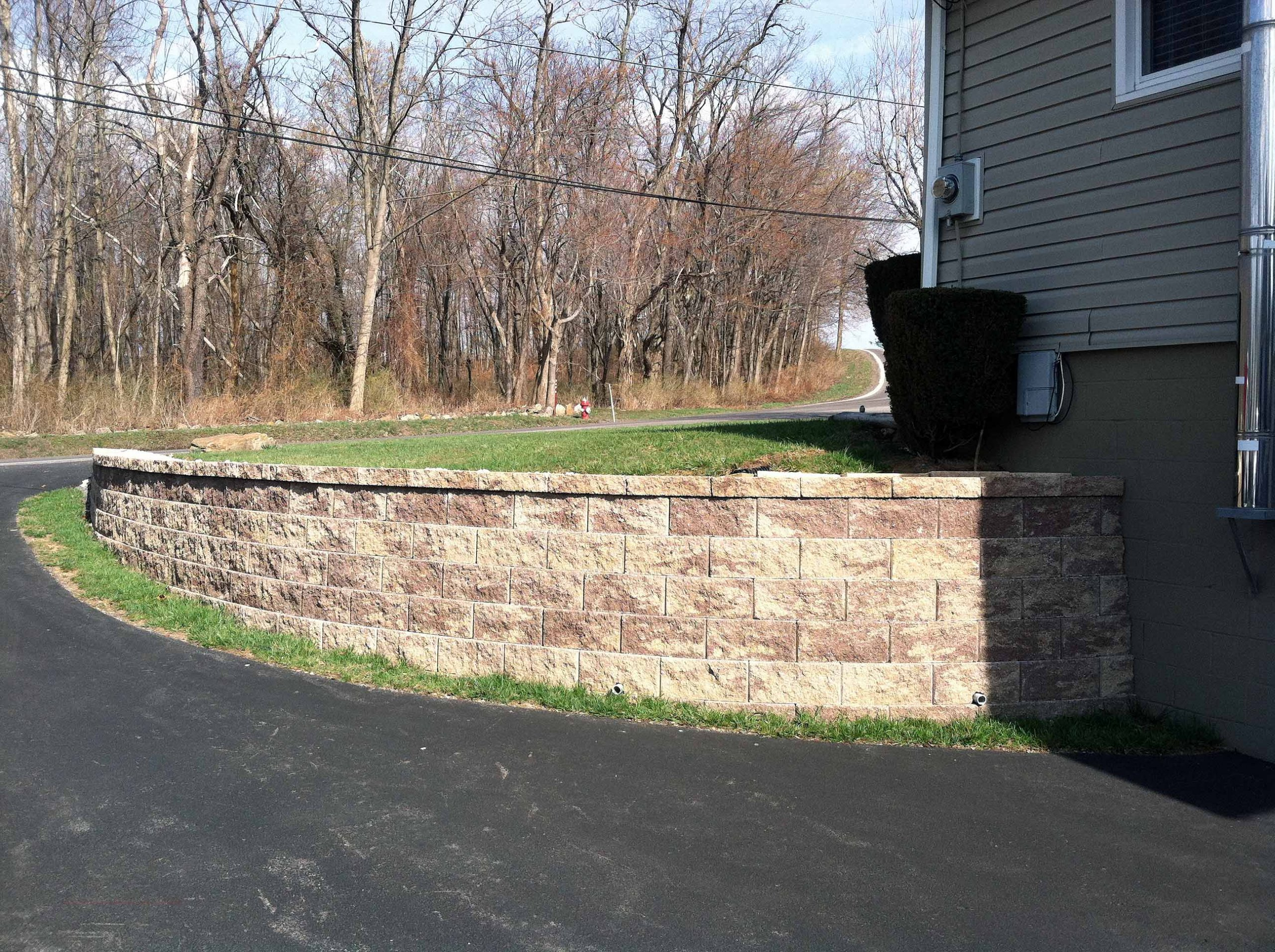 Small retaining wall for driveway