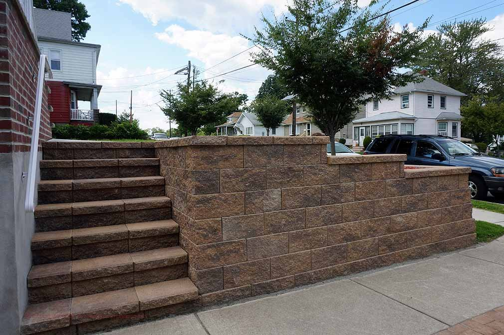 driveway-retaining-wall-with-stairs