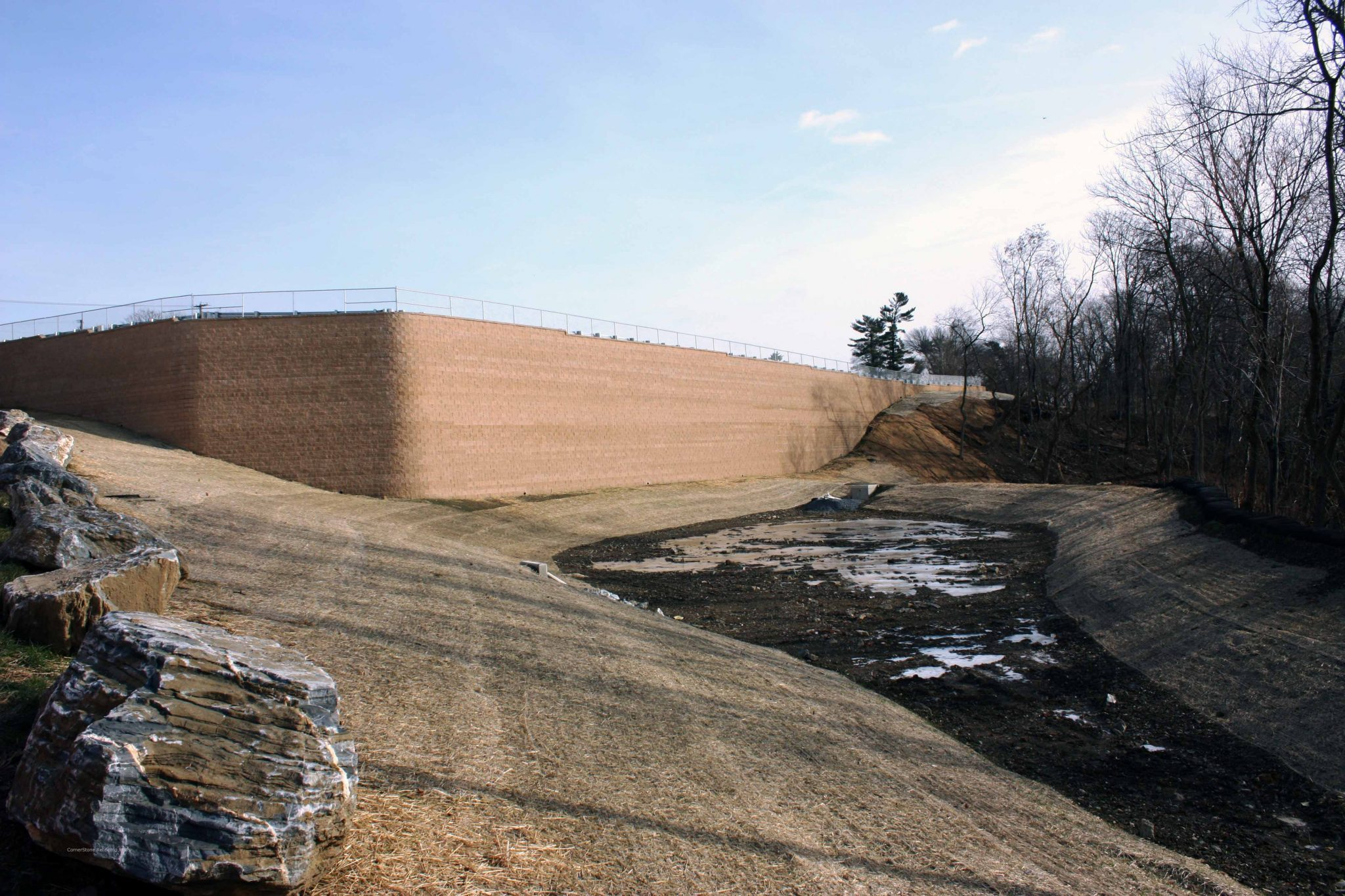 Plaza Centro Retaining Wall with Dry Pond